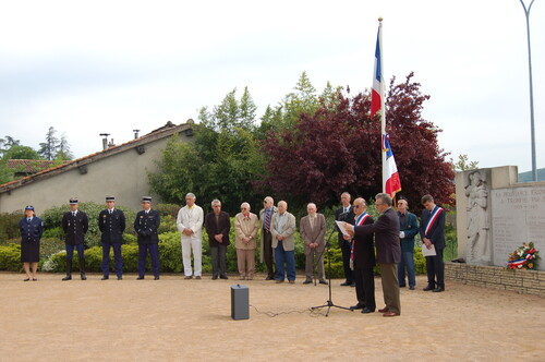 ceremonie-8-mai-dardilly.JPG